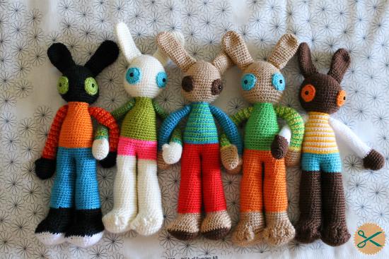 Amigurumis Conejos Paso A Paso : Conejos amigurumi a la venta corriendo con tijeras
